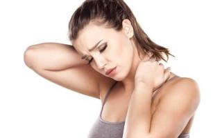 Хруст в шее — причины, сопровождающие симптомы, диагностика, как избавиться от дискомфорта